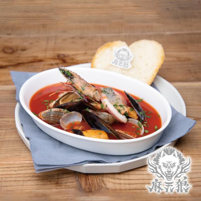 麻天狼の魚介トマトスープ