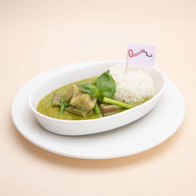 豚バラ肉とアスパラガスのグリーンカレー