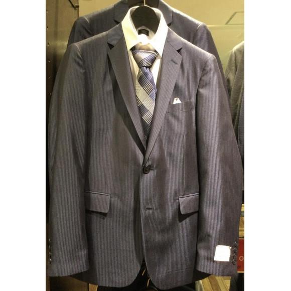 秋冬のスーツ