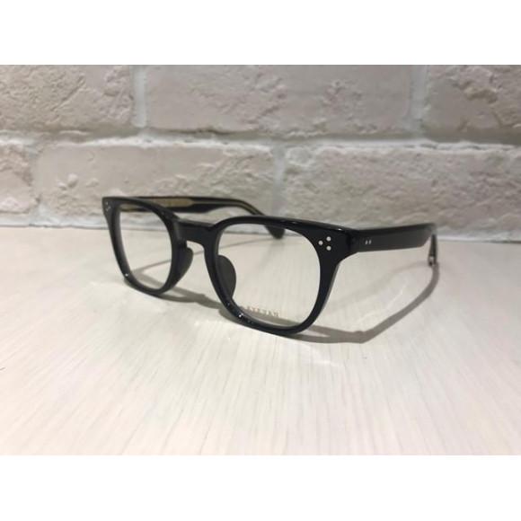 【EYEVAN】程よいボリューム感のメガネのご紹介です!