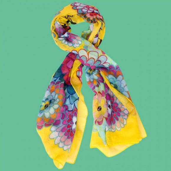 スカーフで春を取り入れてみませんか?