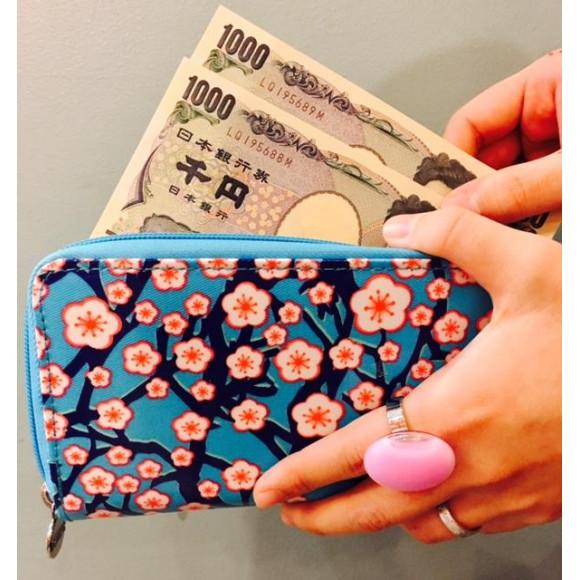 収納力◎の長財布!