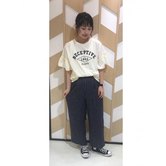 フリルスリーブカレッジプリントTシャツ