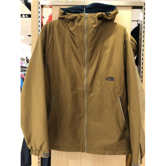 ★THE NORTH FACE コンパクトノマドジャケット★