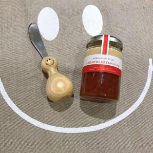 バターナイフ、 ストロベリーミルクジャム
