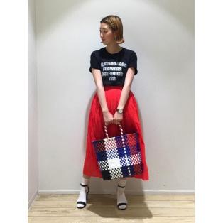 夏は鮮やかなスカートが履きたく...