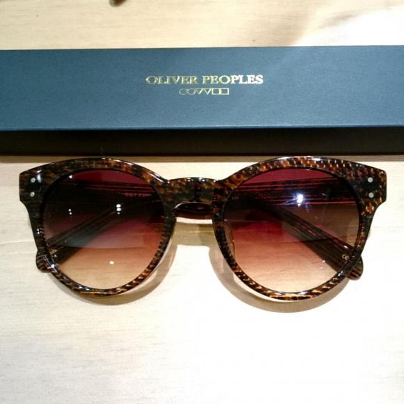 OLIVER PEOPLES×MAISON KITSUNEのサングラス