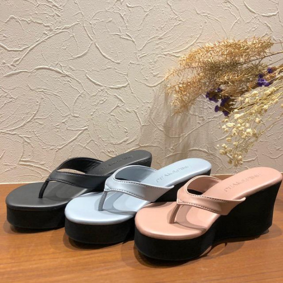 福岡・天神 リゾート 水着ショップ PEAK&PINE 福岡パルコ店☆歩きやすくて疲れにくい!スタイルアップサンダル♪
