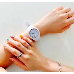 貝殻を使った1点物の時計*⋆