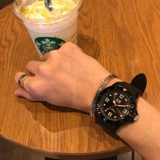 秋コーデにも合わせやすい時計◎◎