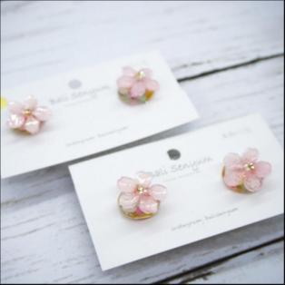 【期間限定販売】Bali Senyum *本物のお花* サクラとシェル イヤリング・ピアス