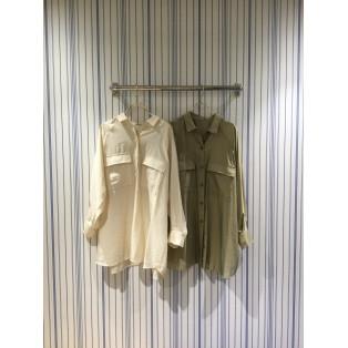 レーヨン混 フラップポケット オーガンジー シャツ、程よい光沢感がとてもお洒落です。