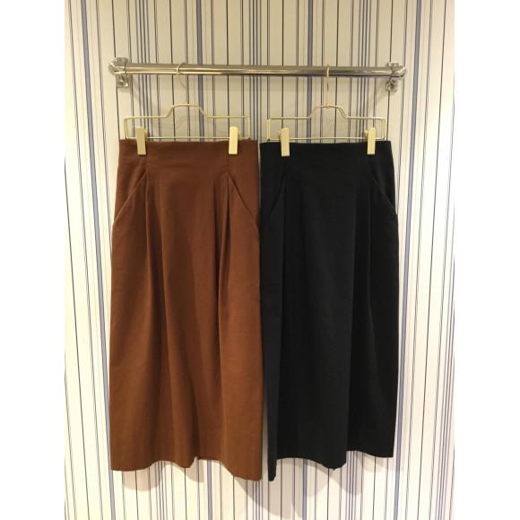 体型カバーが叶うシルエットが魅力のスカートです!