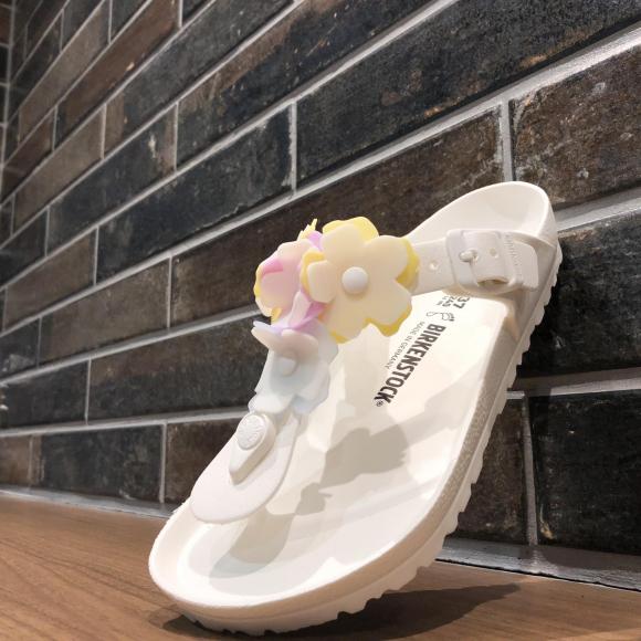 NEW!!【BRKENSTOCK GIZEH FLOWER EVA】