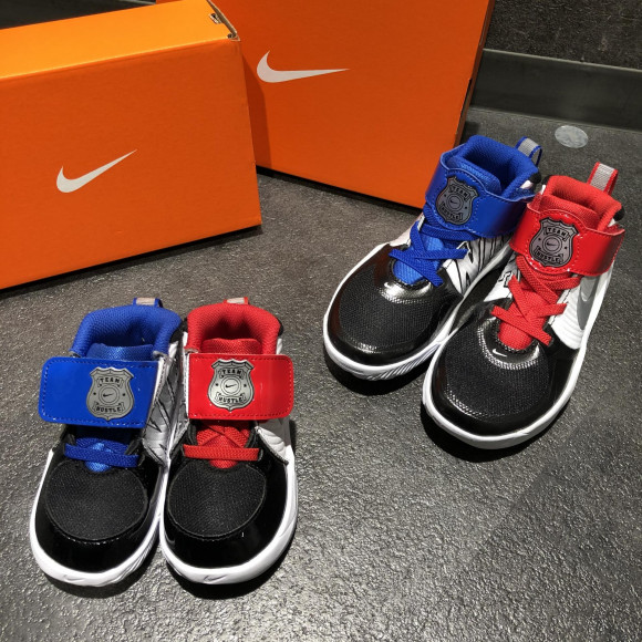 NEW!!【KIDS NIKE TEAM HUSTLE D 9 AUTO】