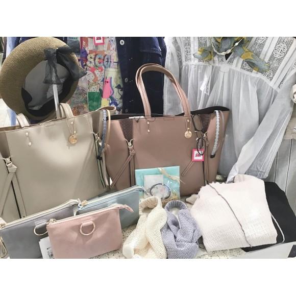 新しく入荷致しました♡バッグとポーチ♡