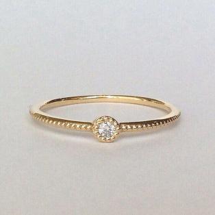 〈1粒縁ダイヤモンド〉リング