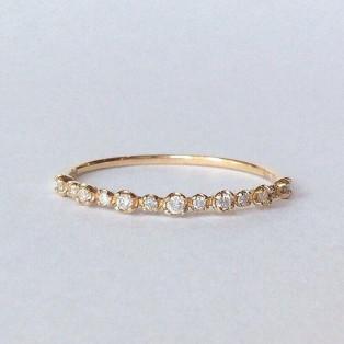 〈13粒ダイヤモンド〉リング
