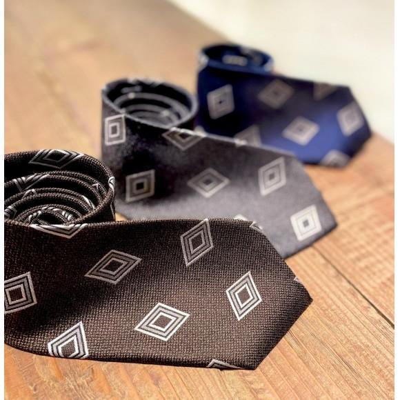 ダイヤ小紋柄シルクネクタイ。
