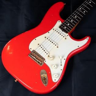 Fender Custom Shopからジョンクルーズ氏が製作指揮の元、ビンスカネット氏にレリックを依頼した1960 John Cruz Relic Stratocaster/Fiesta Red 1997年製入荷しました!!