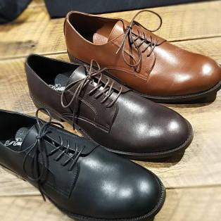 牛革短靴入荷☆