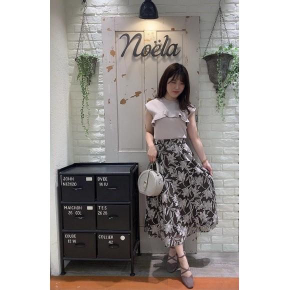 新作♡メッシュ刺繍フレアスカート