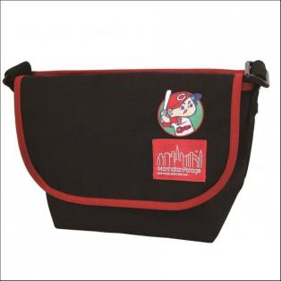 【CARPセール開催!!カエルパルコではカープコラボバッグ大好評販売中!!】Manhattan Portage × Hiroshima Toyo Carp Casual Messenger Bag』※広島パルコ限定商品