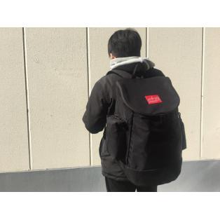 大容量!ユニークな形状のバックパック。