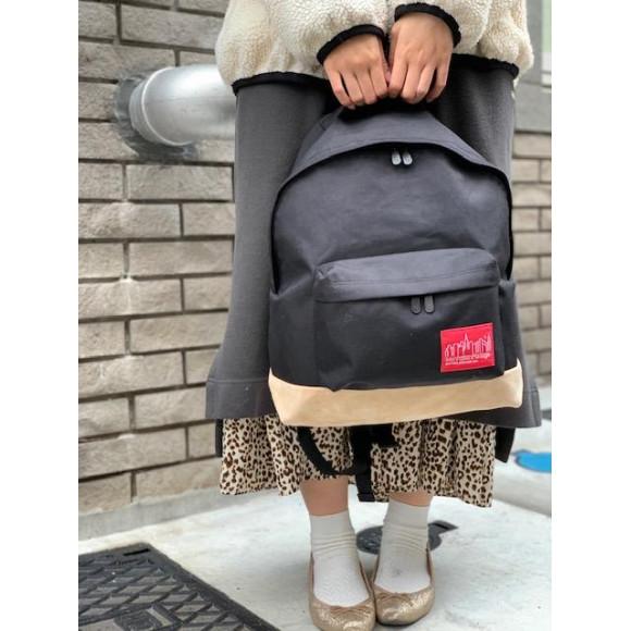 シンプルカジュアル。Suede Fabric Backpack。