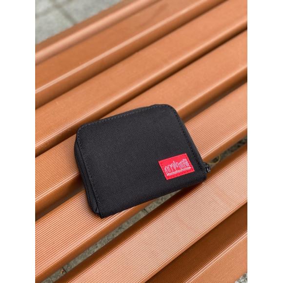 コンパクトなお財布。