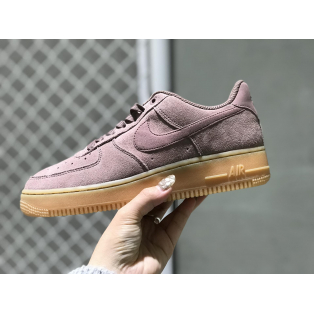★Pick Up Sneaker★『NIKE W AIR FORCE 1'07 SE』