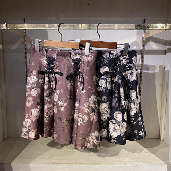 新作のスカート