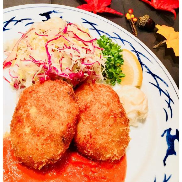 紅ずわい蟹のクリームコロッケ トマトソース