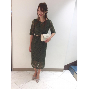 レース袖つきドレス