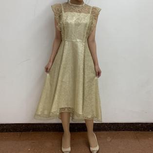 ギャザーフレアスリーブドレス