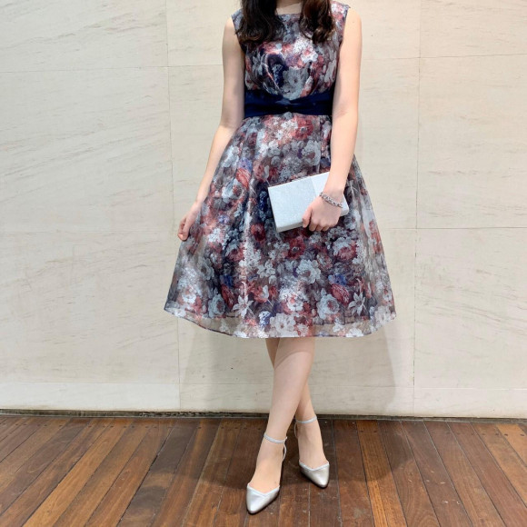 華やか花柄ドレス
