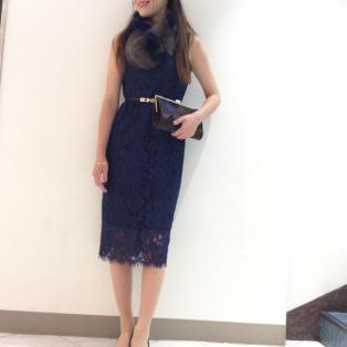 スカラップハイネックドレス