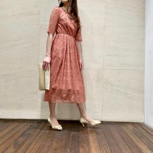 人気の袖付きドレス