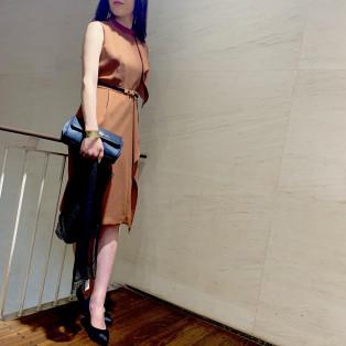 ラッフルタイトドレス