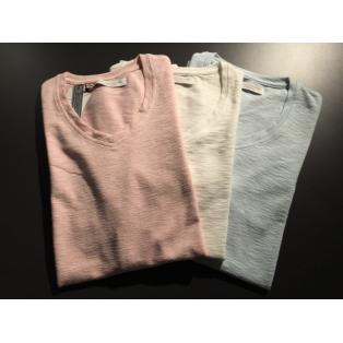 Custom Culture ペールトーンVネックTシャツ