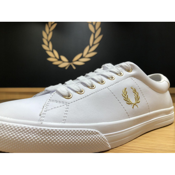 FRED PERRY スニーカー