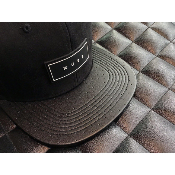 【NEW ARRIVAL】MUZE - LOGO SUEDE LEATHER CAP