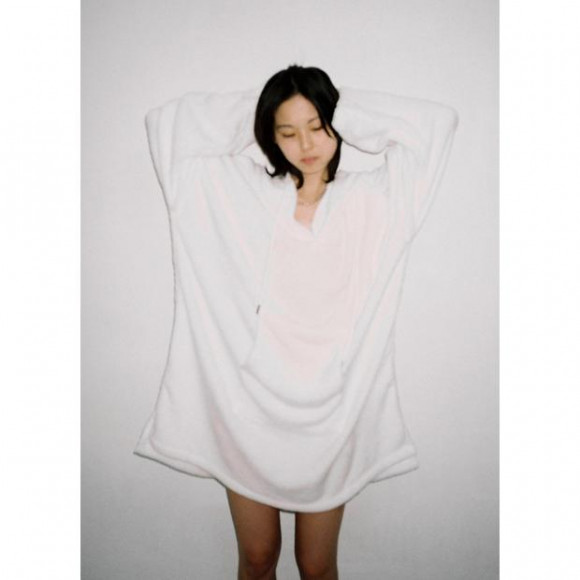 【PICK UP】IKUMI - FREECE HOODIE(WHITE)