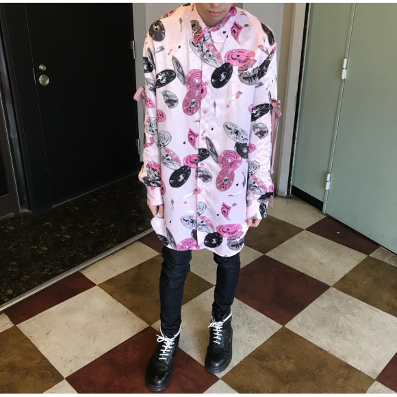 魅力がギュッと詰まったシャツ【COMPACT DISK SHIRTS】