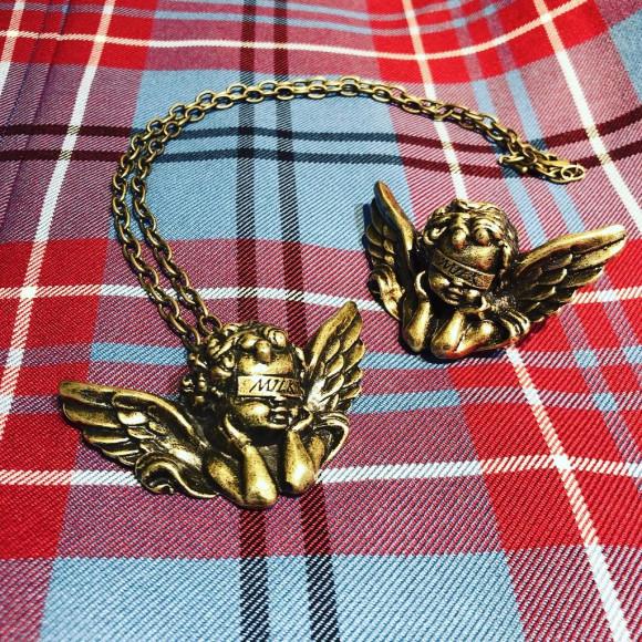 大きな天使モチーフのネックレス&リング!