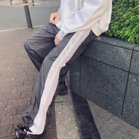 LAND限定のリフレクターパンツ登場【REFLECTOR NYLON PANTS】