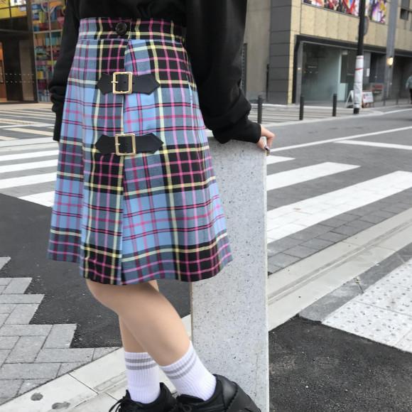 MILKからオリジナルチェック柄の巻きスカート【Beeチェックミニ】