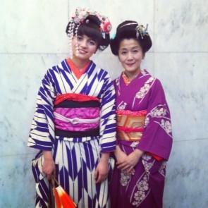 花代さん(写真右)、点子さん