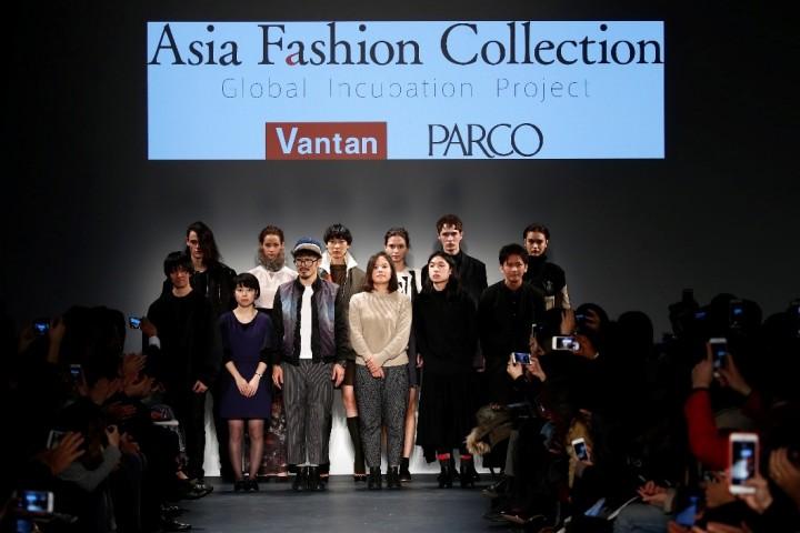 デザイナー 前列左から星拓真、熊谷渓、イーホン・チャン(台湾)、イム・オリョン(韓国)、カート・ホー(香港)、相馬慎平