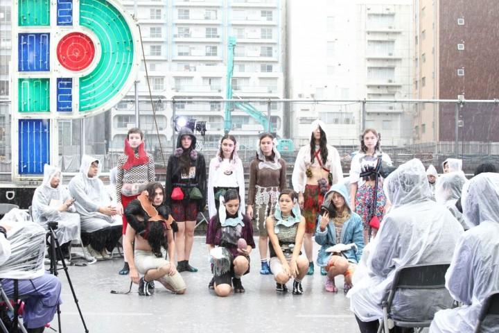 渋谷PARCO工事現場でのファッションショー